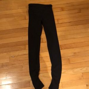 Lululemon leggings with stirrups.